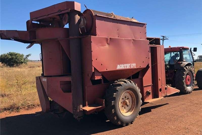 Grain harvesters Agritec 172 Enkelry Stroper Combine harvesters and harvesting equipment