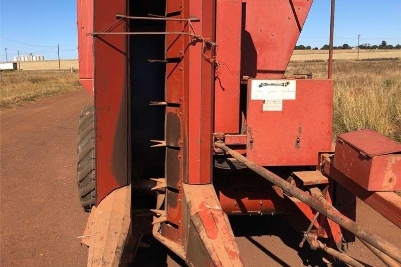 Grain harvesters Agritech 172 Enkelry Stroper Combine harvesters and harvesting equipment