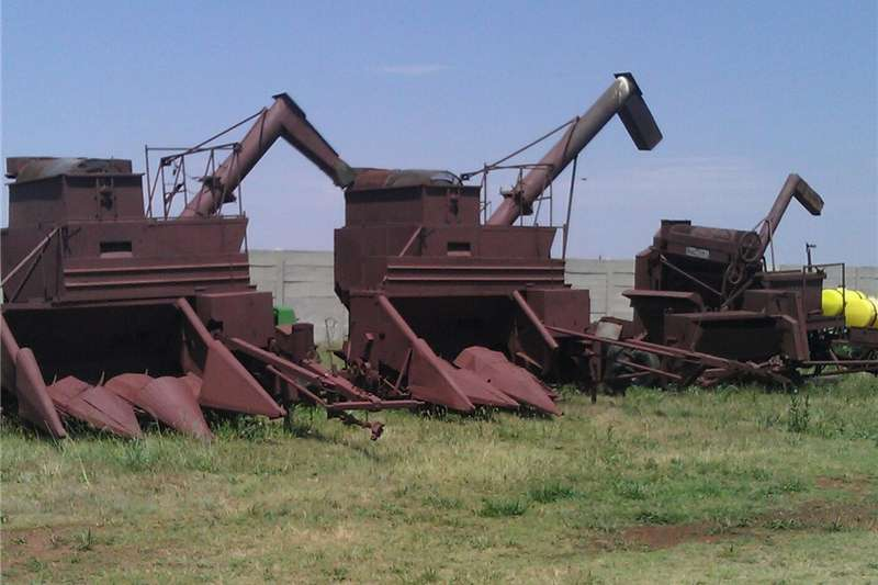 Grain harvesters cheap harvester Combine harvesters and harvesting equipment