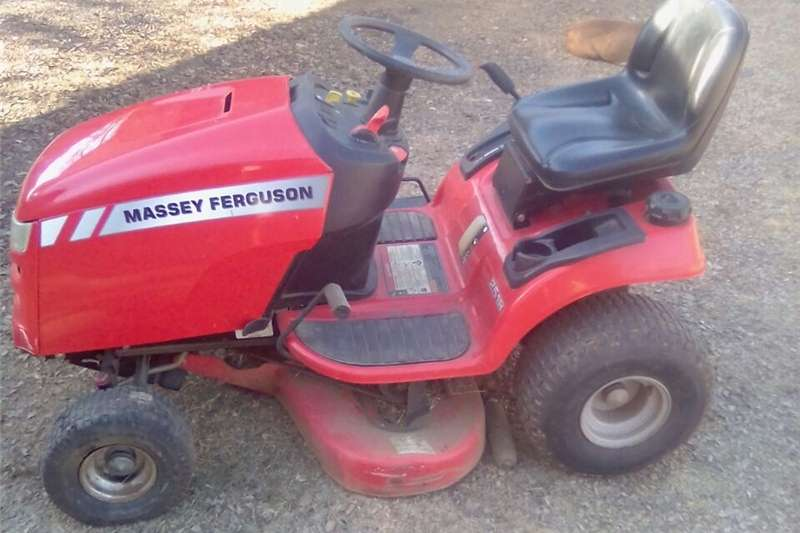 Grain harvesters vetsak harverstor and lawnmover Combine harvesters and harvesting equipment