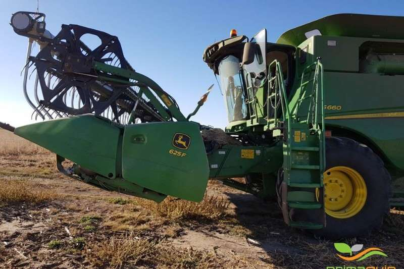 Combine Harvesters and Harvesting Equipment John Deere Grain Harvesters JD S 660 + JD 625 F AWS 2014