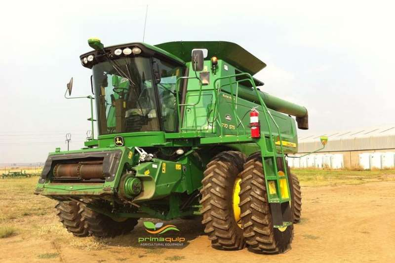 John Deere Grain harvesters John Deere 9770 STS Combine harvesters and harvesting equipment
