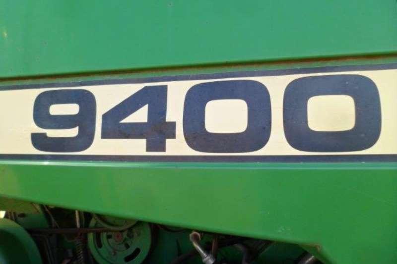 John Deere John Deere 9400 Combine Harvester Combine harvesters and harvesting equipment