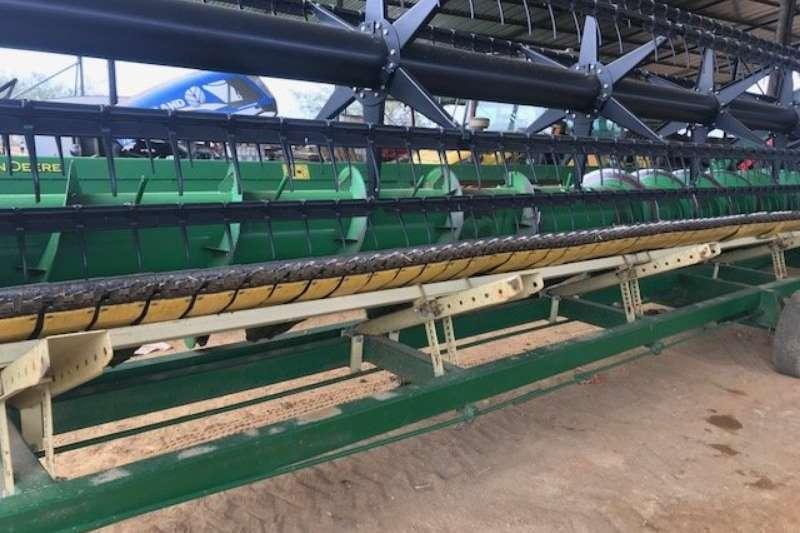 John Deere Other heads John Deere 625 F Combine harvesters and harvesting equipment