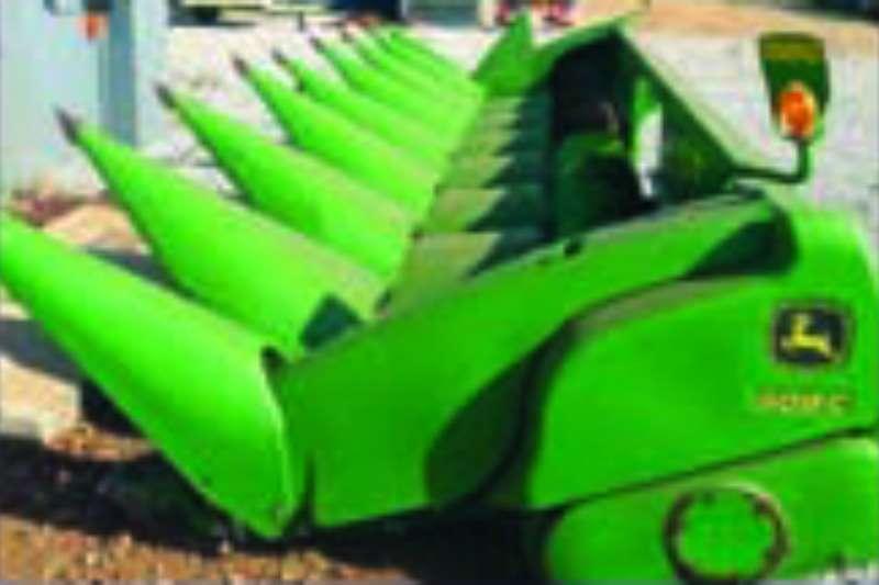 Combine Harvesters and Harvesting Equipment John Deere Pick-Up Headers 608c 0