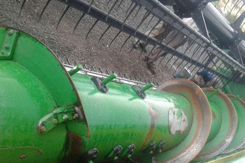 John Deere Wheat heads JD630F (Hidraflex) Combine harvesters and harvesting equipment