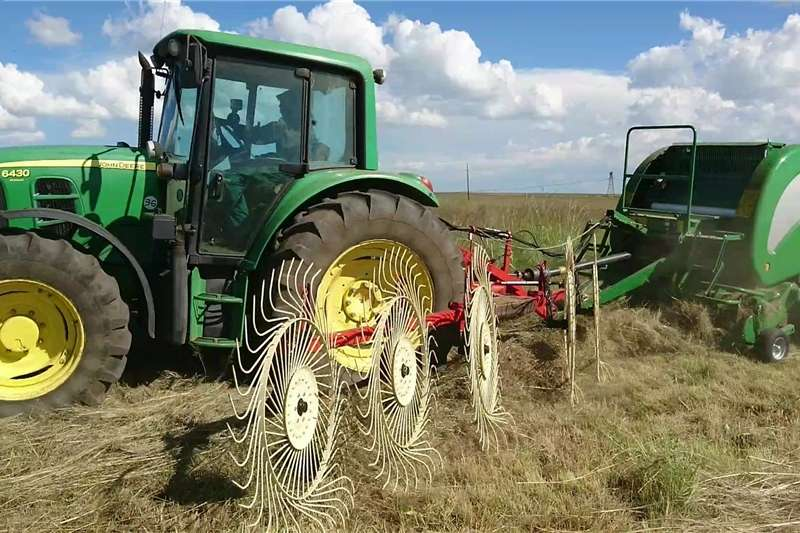 Combine Harvesters and Harvesting Equipment Kombinasiehark