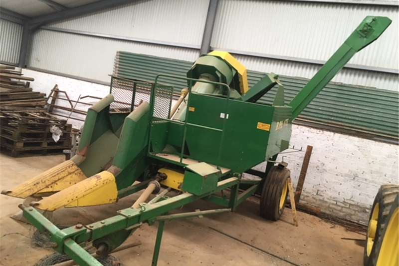 Combine Harvesters and Harvesting Equipment Maize Heads Slatery Mealie Harvester In Excellent condition Fo