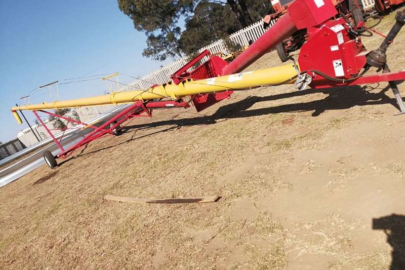 MK100 81 Auger Combine harvesters and harvesting equipment