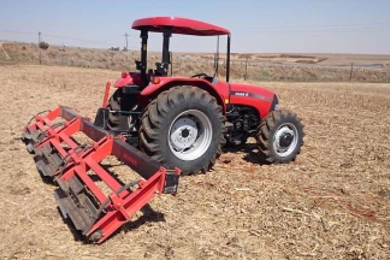 Myburgh Toerusting Rol moere Combine harvesters and harvesting equipment