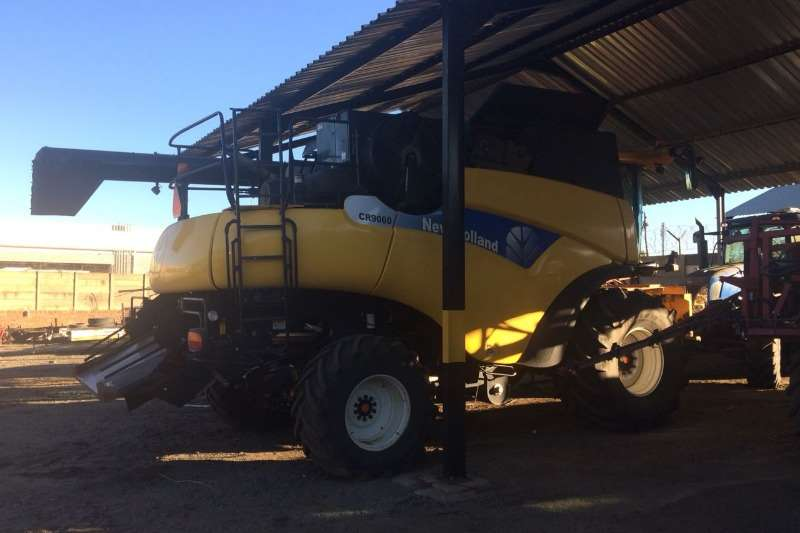 New Holland Grain harvesters New Holland CR 9060 Combine harvesters and harvesting equipment