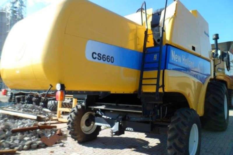 New Holland Grain harvesters New Holland CS660 Combine Harvester Combine harvesters and harvesting equipment