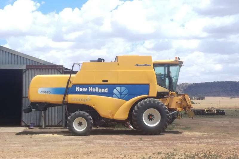 Combine Harvesters and Harvesting Equipment New Holland Other Combine Harvesters and Harvesting Equipment New Holland CS 660 Combine 2010