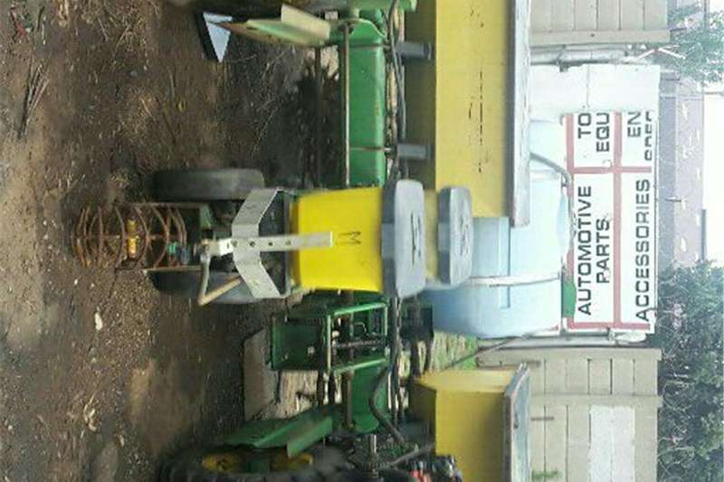 Other combine harvesters and harvesting equipment JD 7200 5Foot 3row Planter Combine harvesters and harvesting equipment