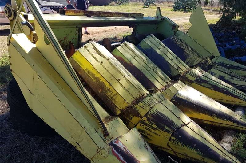 Other combine harvesters and harvesting equipment Tafel Combine harvesters and harvesting equipment