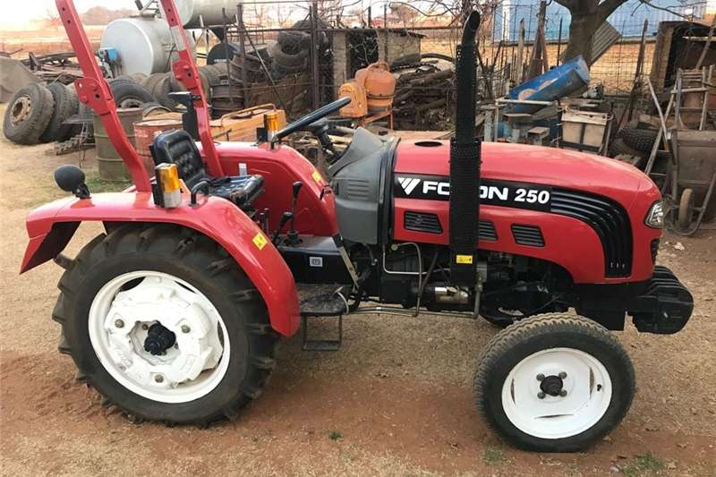 Other combine harvesters and harvesting equipment Tractor Foton 250 for sale.   R 75.000.    NEGOTIA Combine harvesters and harvesting equipment