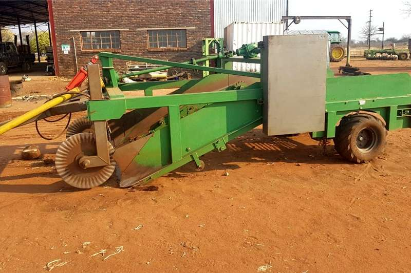 Combine Harvesters and Harvesting Equipment Potato Harvesters SPALDINGS AARTAPPEL UITHALERS