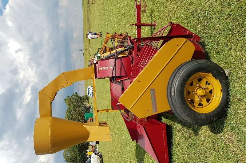 Staalmeester Other combine harvesters and harvesting equipment 6776 O M grass and bean feed harvester Combine harvesters and harvesting equipment