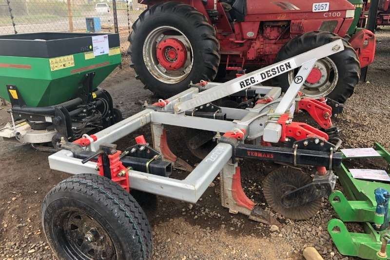 Field cultivators Yeomans 5  time Cultivators