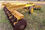 Cultivators Harrows 28 Disc H/D Hydraulic Offset Harrow CAT