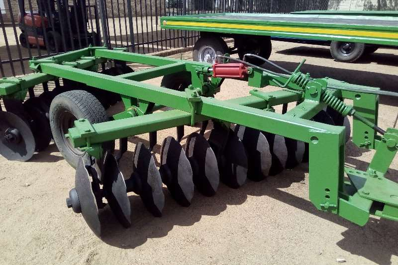 Cultivators Harrows John Deere 24 disc offset disc 0