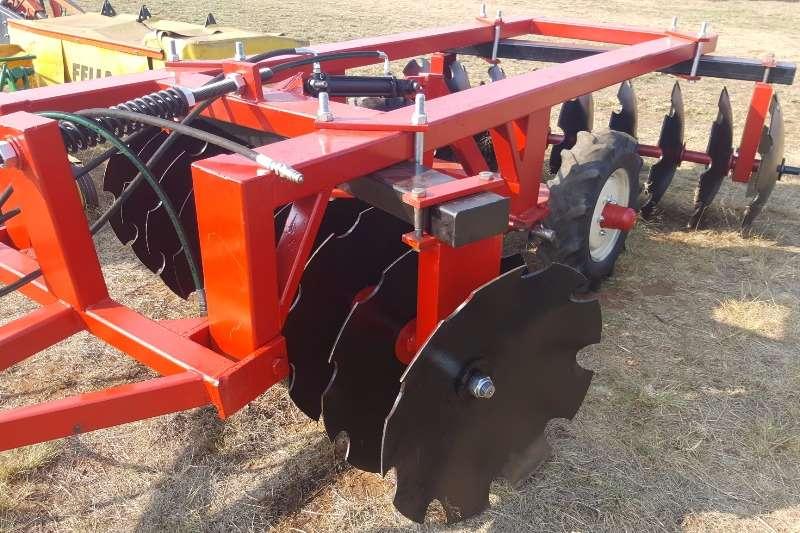 Harrows New Light duty hydraulic disc harrow 18 discs Cultivators