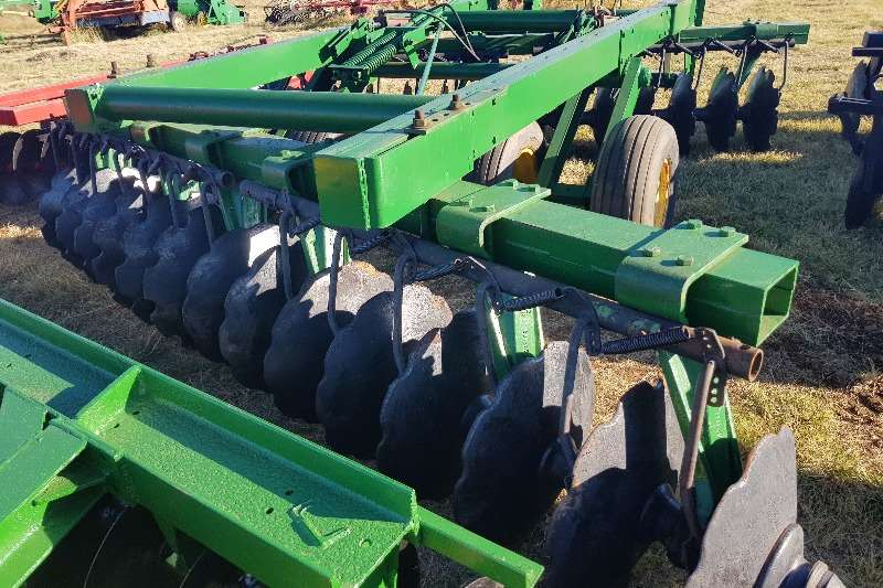 Other cultivators Gc Tillage,Agromaster,J.D,+ 20 hyd discs Cultivators