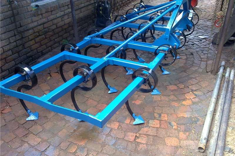Row crop cultivators Rovic vibroflex tiller Cultivators