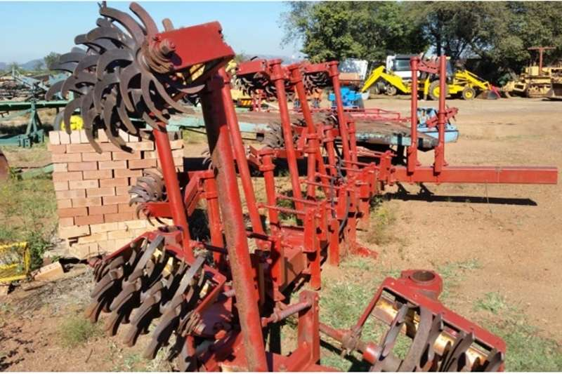 Row crop cultivators S3090 Red unknown 8 Row Rolling Cultivator(Rol Sko Cultivators