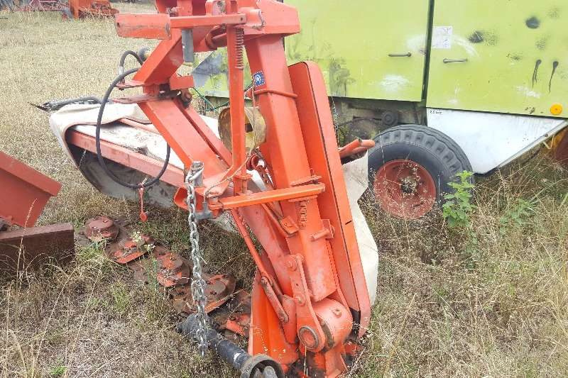Kuhn Other cutters and shredders Kuhn 5 disc mower Cutters and shredders