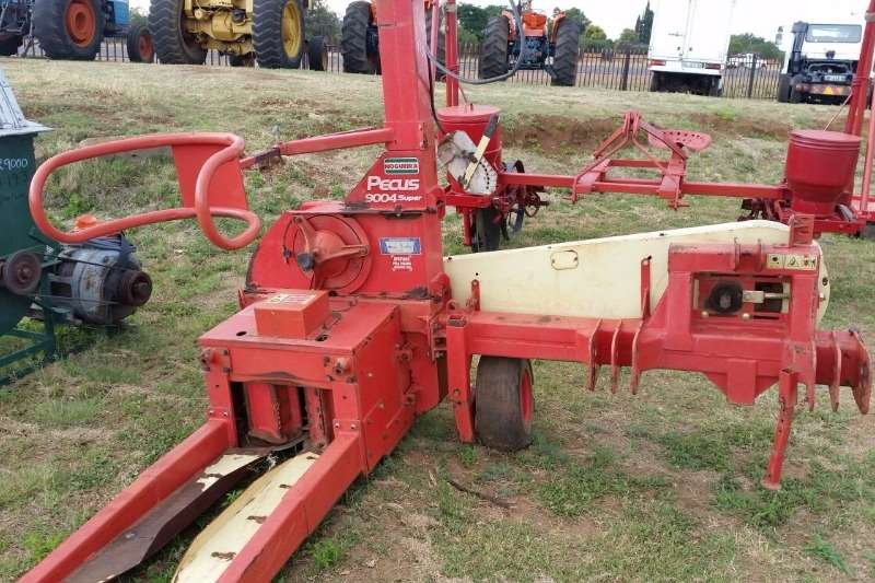 Cutters and Shredders Other Other Cutters and Shredders PECUS 9004  Super Silage Carver 0