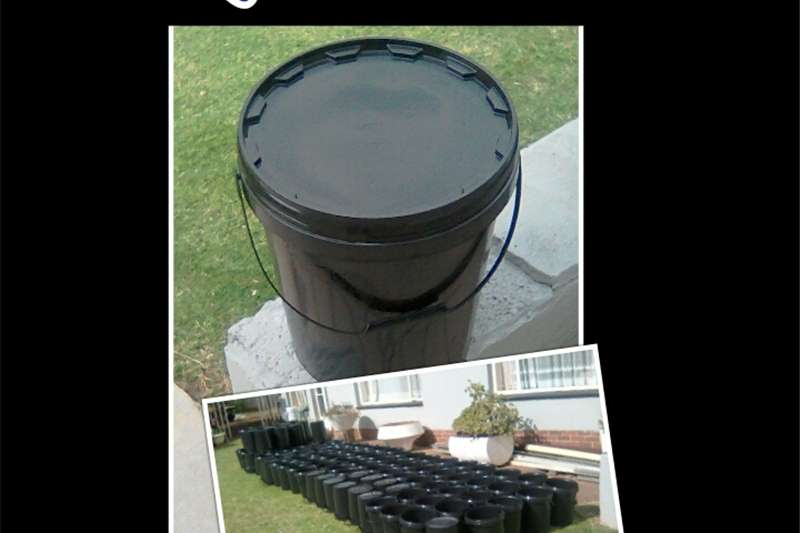 Holding tanks 20 Litre Plastic bucket with lid Dairy farming