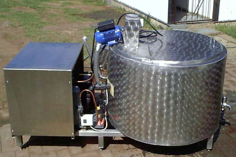 Holding tanks 400L Verkoel tank Dairy farming