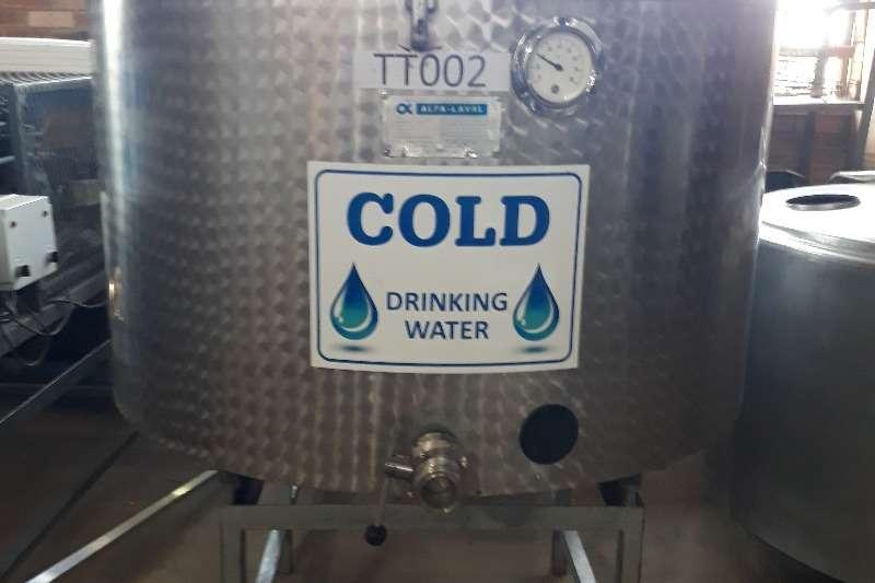 Holding tanks 650L Water tank Dairy farming
