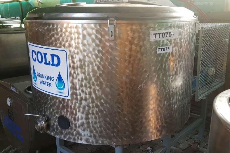 Holding tanks Cooling Tanks 400LT 800LT Dairy farming