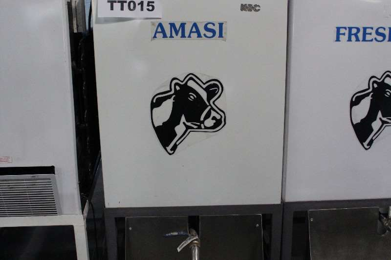 Milk machines Maas Tanks Dairy farming