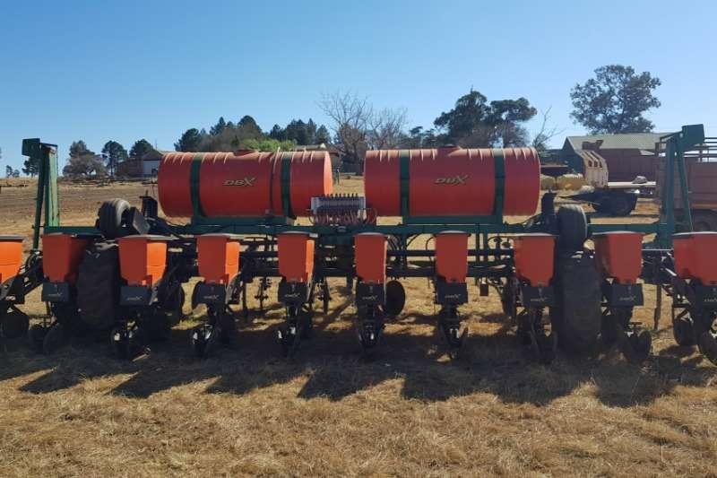 DBX Drawn planters 2016 10 ry 76cm DBX 10ry 76cm no till Planting and seeding