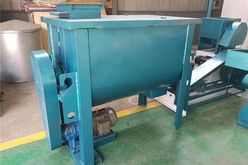 Horizontal feed mixers poultry feed mixer machine,feed mixing equipment f Feed mixers