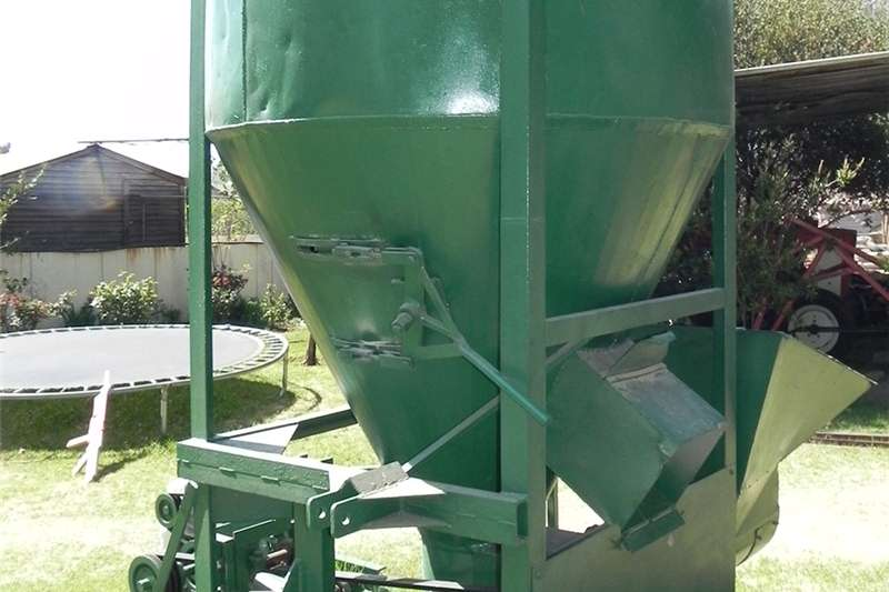 Vertical feed mixers Feed mixer Feed mixers