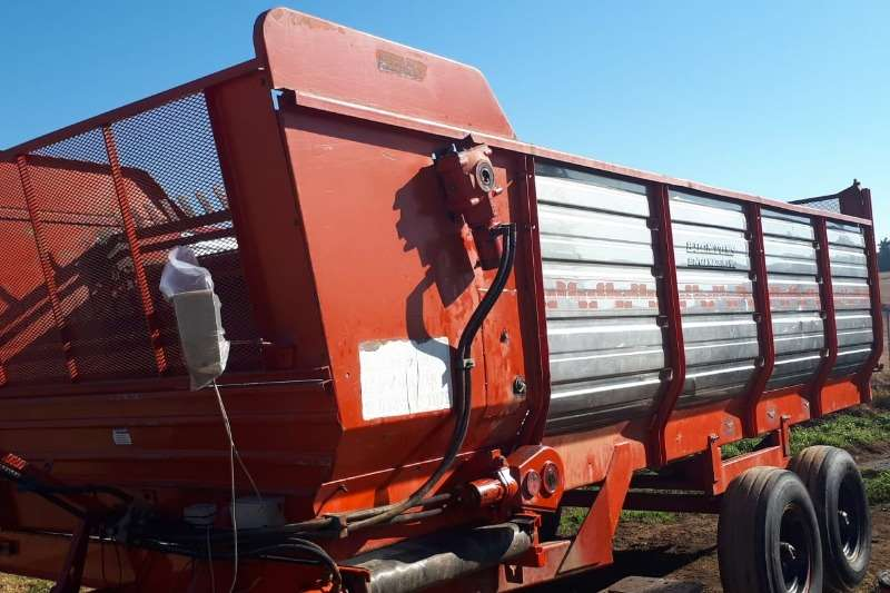 13m Feedout Wagon with scale 3 x weight cells Feed wagons