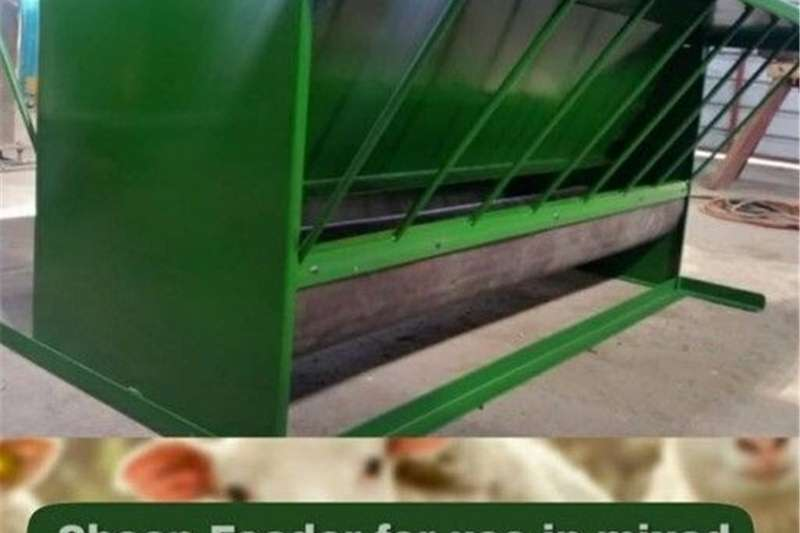 Feed Wagons Sheep feeder for use in mixed herd applications