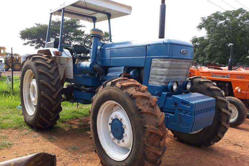 Ford Tractors FORD 8010  TRACTOR