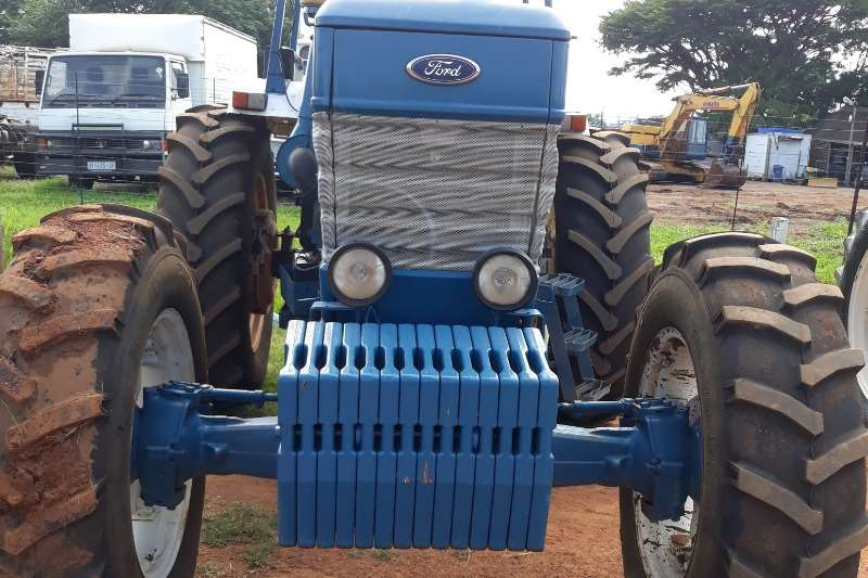 Ford FORD 8010  TRACTOR Tractors