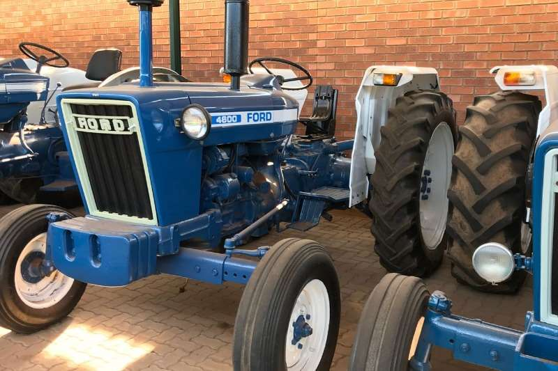 Ford Two wheel drive tractors Ford 4600 Tractors