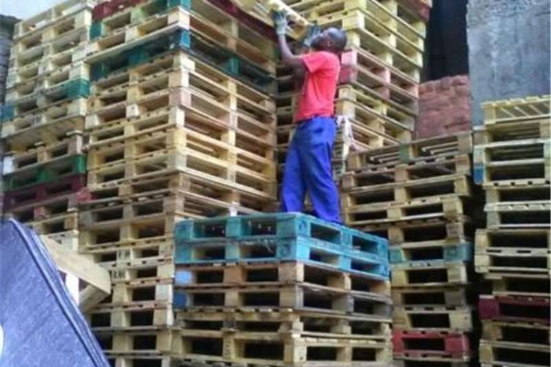 wooden pallets for sale Forklift