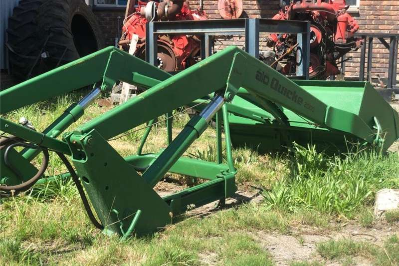 Basic attachments Quicke tractor mounted loader for sale Front end loader