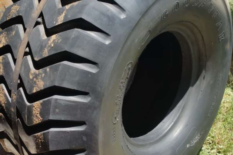 GoodYear Tyres 23-21 (20 ply) Good Year bande