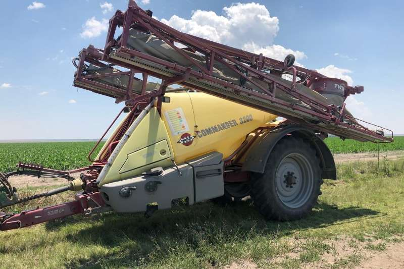 Hardi Other sprayers and spraying equipment Commander Twin 3200L Sprayers and spraying equipment