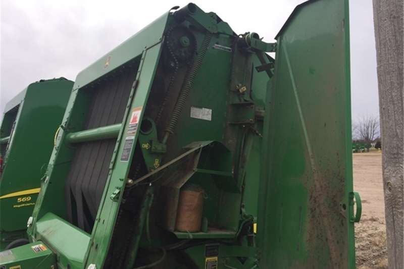 Balers JD 567 ROUND BALER Hay and forage