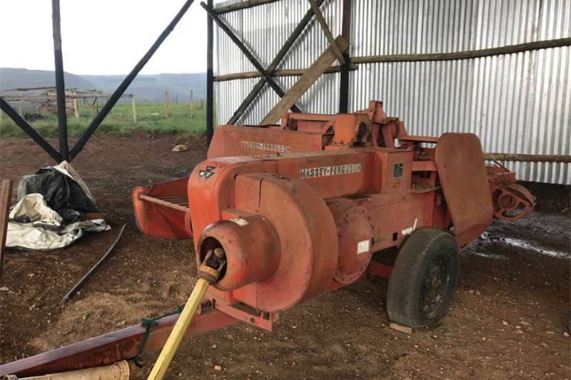 Balers Massey Ferguson M20 8 square baler Hay and forage